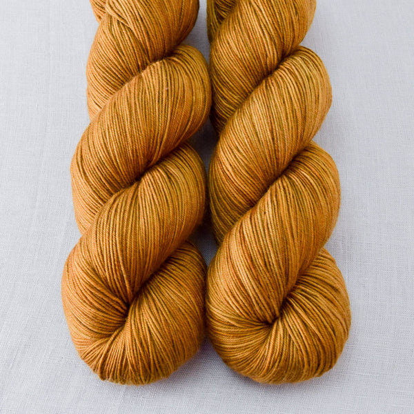 Old Gold - Miss Babs Keira yarn