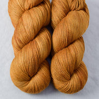 Old Gold - Miss Babs Killington yarn