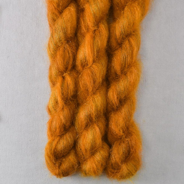 Old Gold - Miss Babs Moonglow yarn