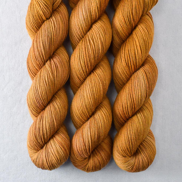 Old Gold - Miss Babs Putnam yarn