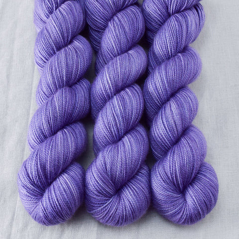 Oomph - Miss Babs Yummy 2-Ply yarn