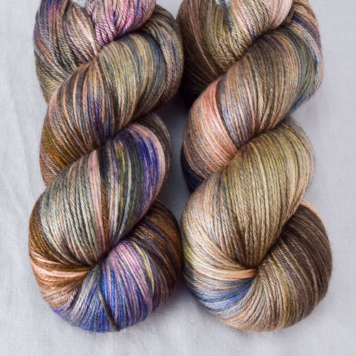 Outstanding - Miss Babs Big Silk yarn