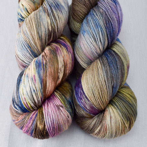 Outstanding - Miss Babs Killington yarn
