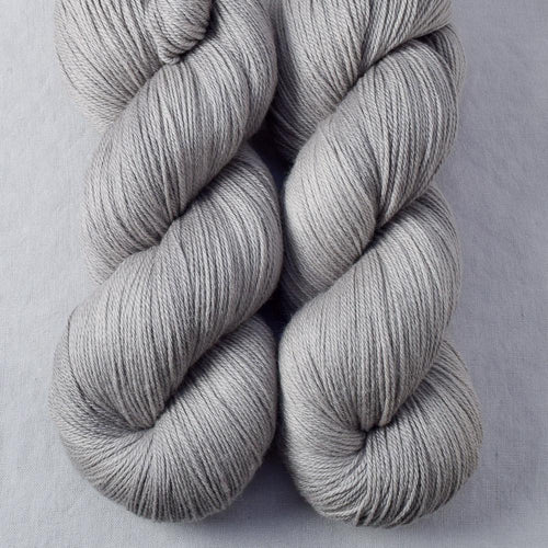 Oyster - Miss Babs Killington yarn