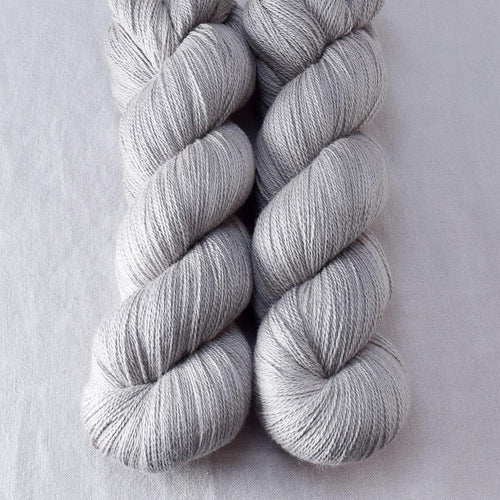 Oyster - Miss Babs Yearning yarn