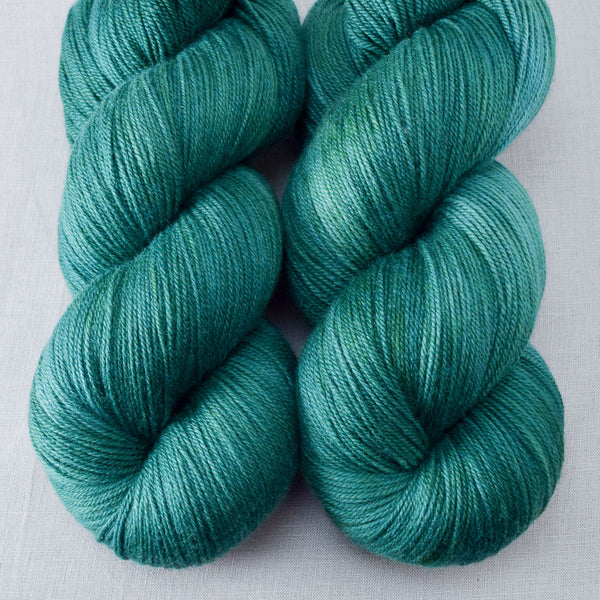 Oz - Miss Babs Killington yarn