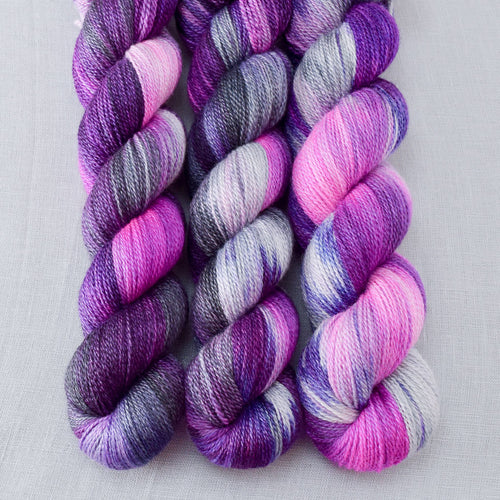 Petulant - Miss Babs Yet yarn