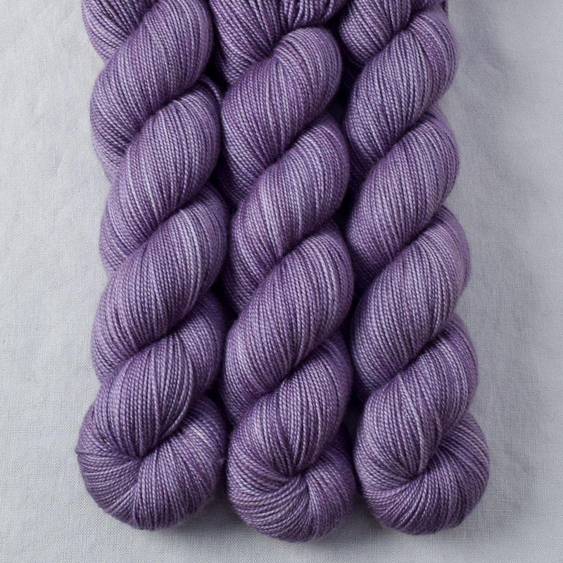 products/pinotnoirgrapes-2ply-2018.jpg