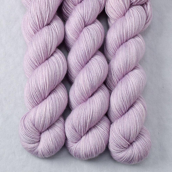 Pleione - Miss Babs Yummy 2-Ply yarn