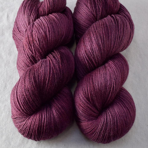 Plum - Miss Babs Killington yarn