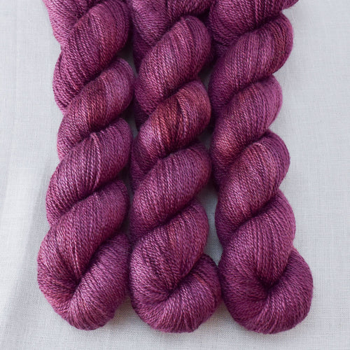 Plum - Miss Babs Yet yarn