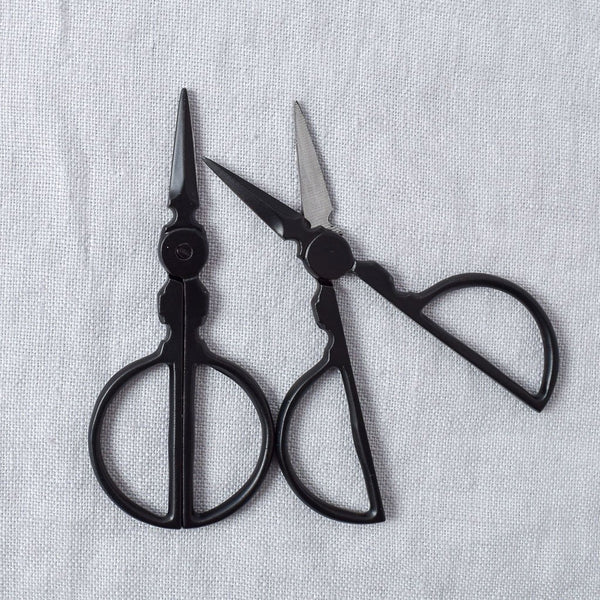 Primitive Roly Poly Scissors - Miss Babs Notions