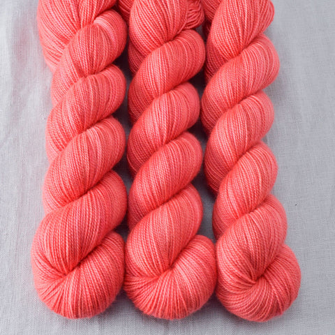 Quince Blossom - Miss Babs Yummy 2-Ply yarn