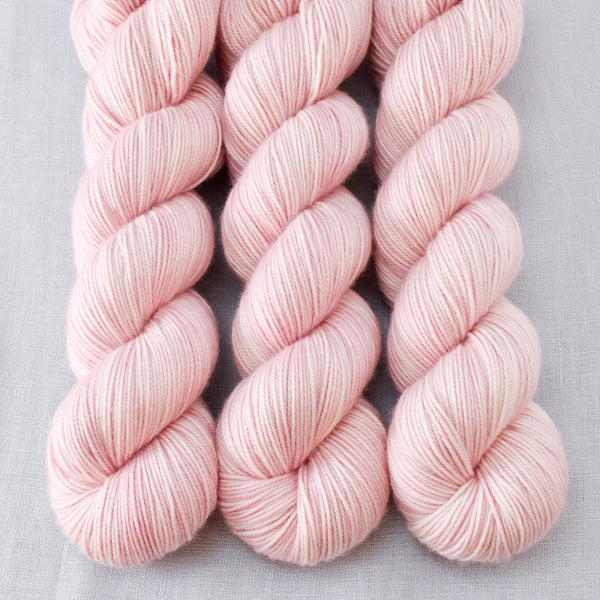 Sugar - Miss Babs Yummy 3-Ply yarn