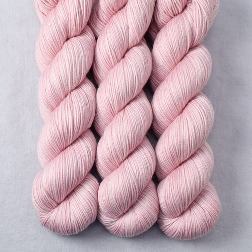 Sugar - Miss Babs Tarte yarn