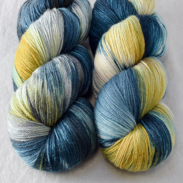 Surprise - Miss Babs Killington yarn