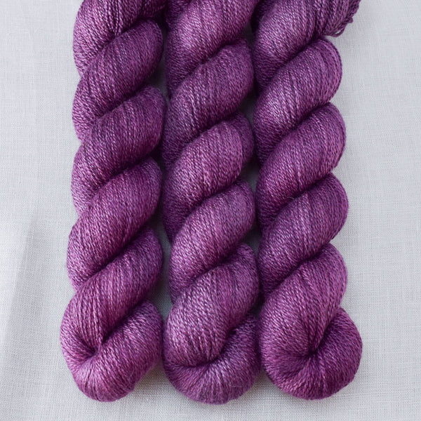 Tulipa - Miss Babs Yet yarn