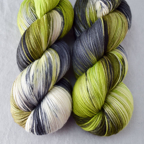 Uberraschung - Miss Babs Killington yarn
