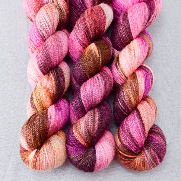 Verrassing - Miss Babs Yet yarn