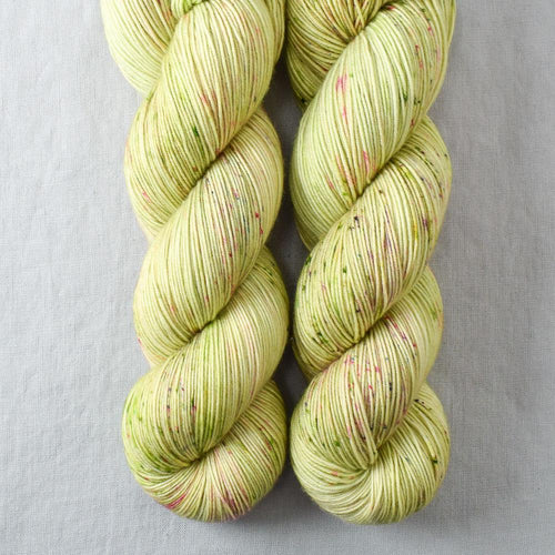 Wandfower - Miss Babs Keira yarn