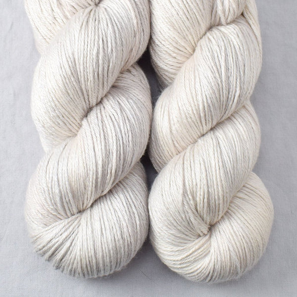 White Peppercorn - Miss Babs Big Silk yarn
