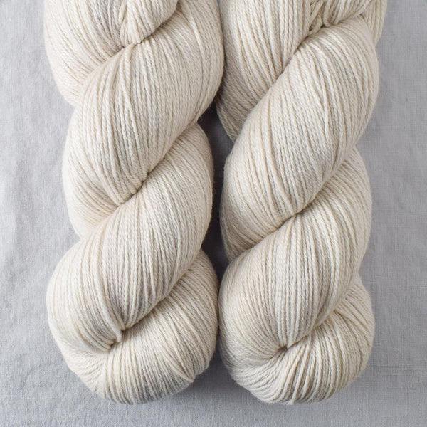 White Peppercorn - Miss Babs Killington yarn