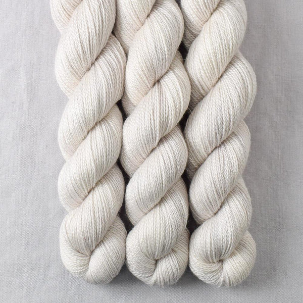 White Peppercorn - Miss Babs Yet yarn