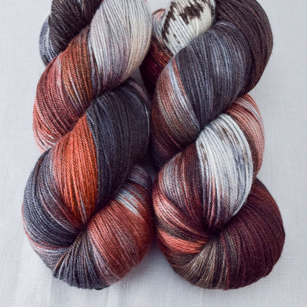 Wolves Den - Miss Babs Killington yarn