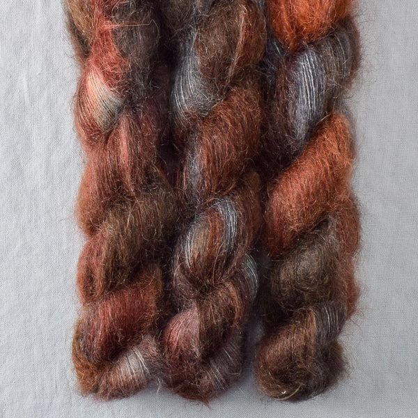 Wolves Den - Miss Babs Moonglow yarn