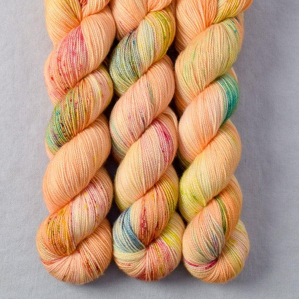 World Peach - Miss Babs Yummy 2-Ply yarn