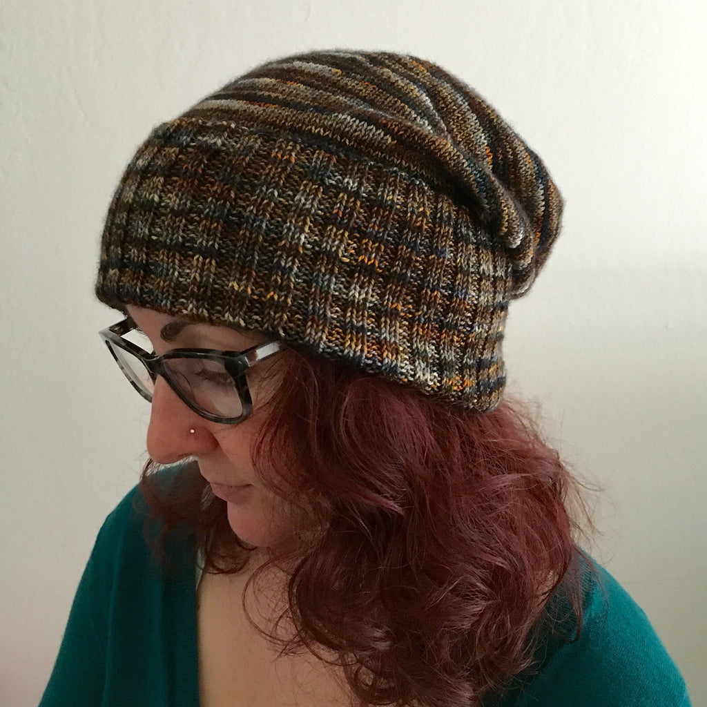 ADULT Hat knitted with quality SOFTINE white horse.