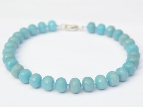 Lilly Necklace - Light Blue Jade