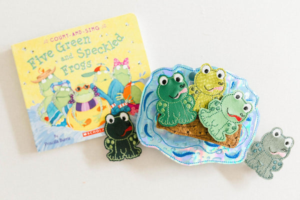 Five Green Speckled Frog Frogs Finger Puppets w. Travel Case