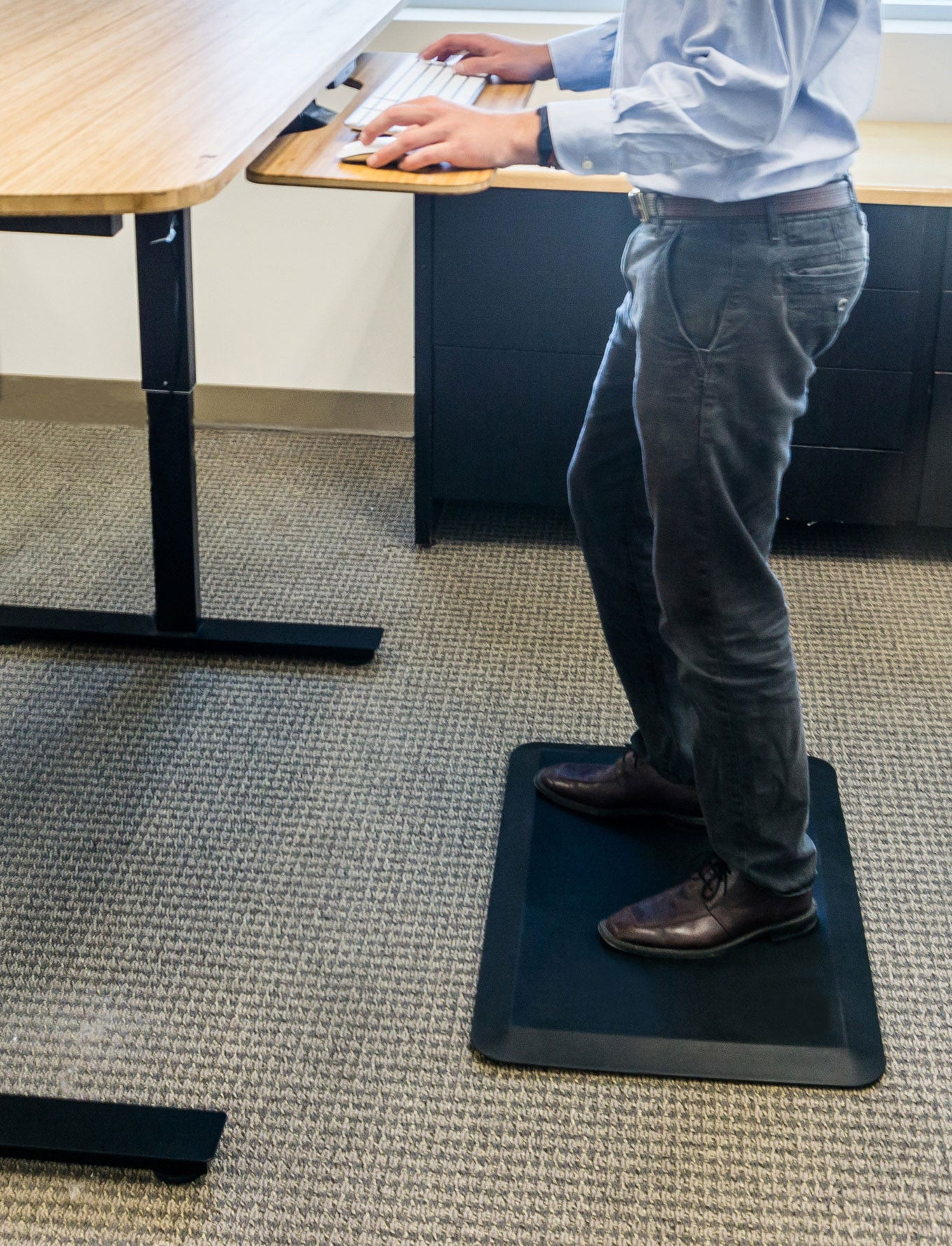 blue anti fatigue floor topshot topo mat standing desk