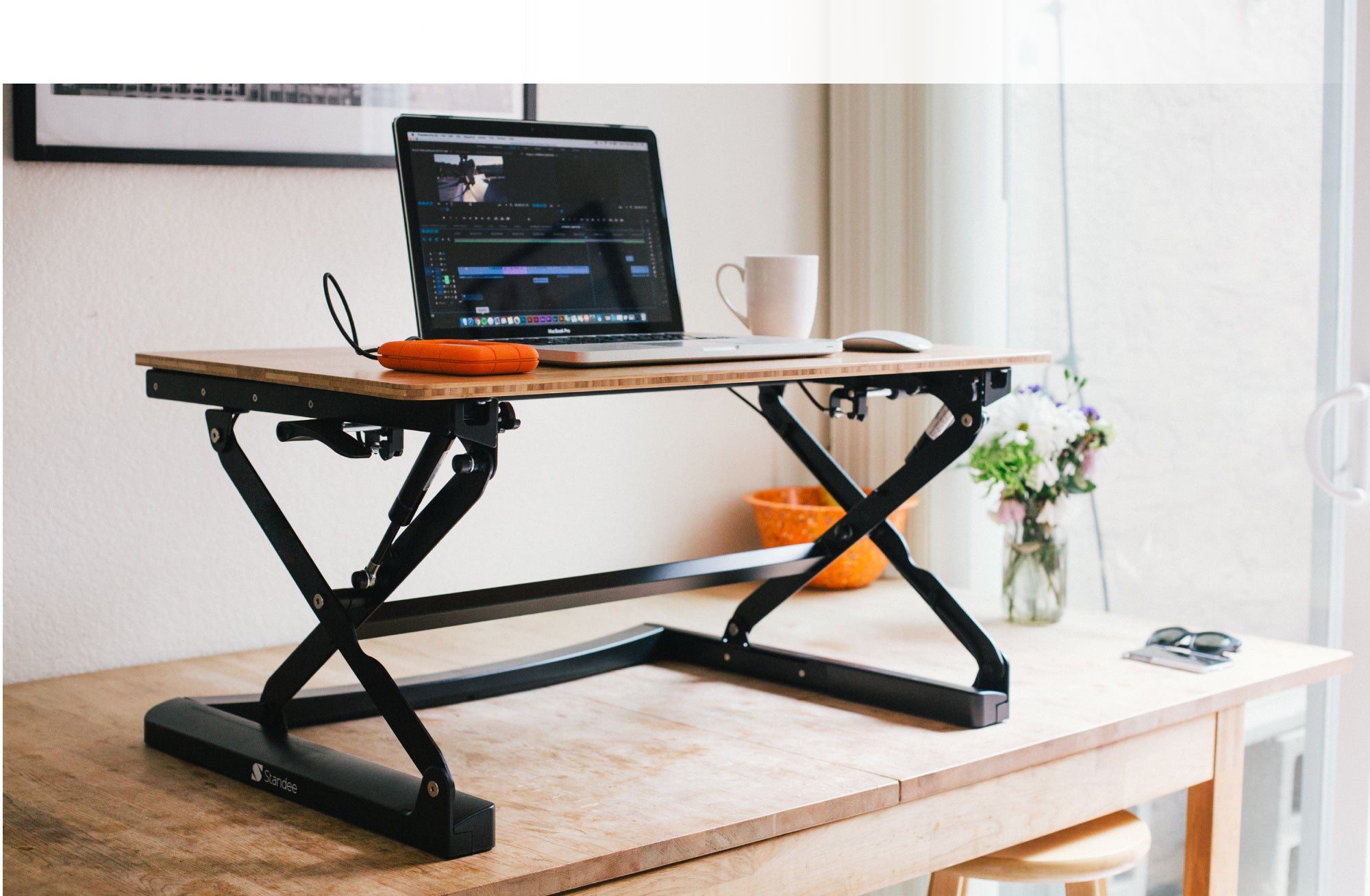 Standee Boost Height Adjustable Standing Desk