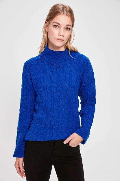 Women's Collar Detail Saxe Tricot Sweater.