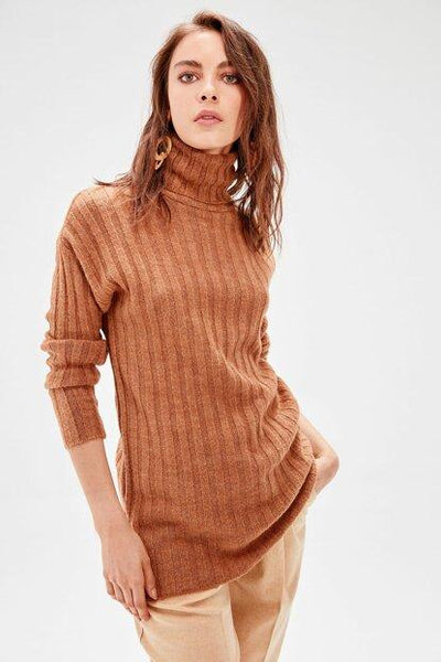 Women's Turtleneck Ginger Tricot Sweater.