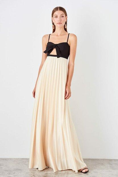 Women's Pleated Hem Evening Dress.