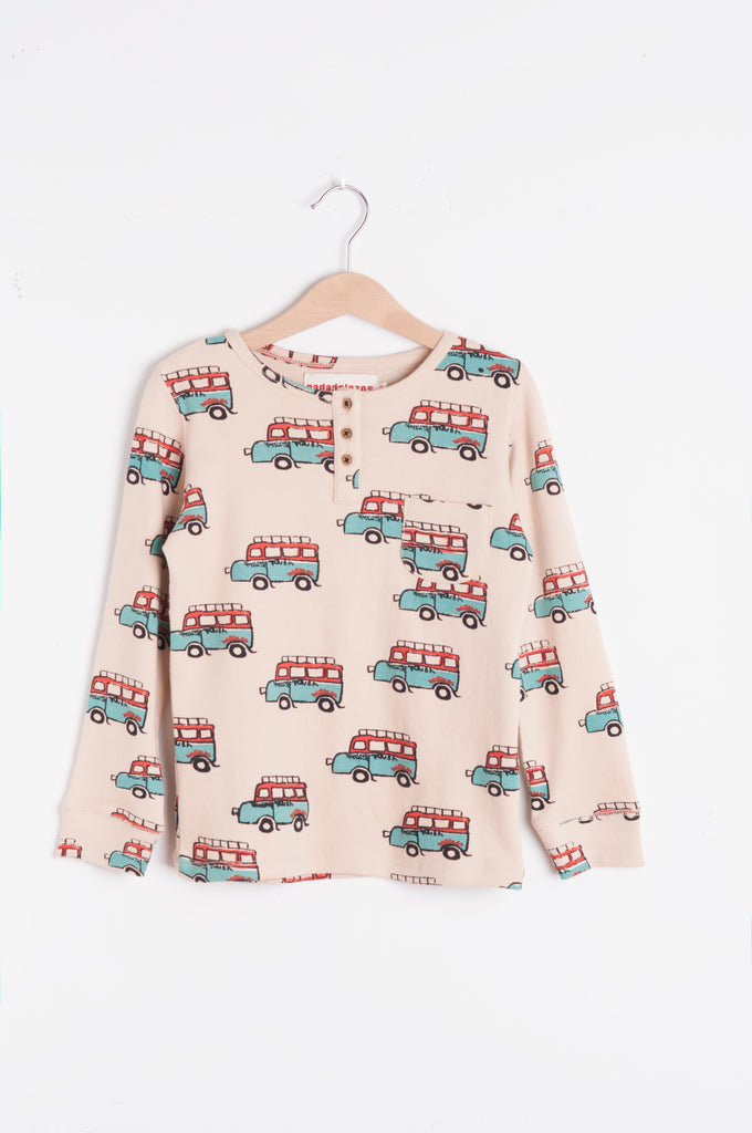 Buttoned T-Shirt Touba Bus by Nadadelazos