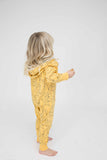 Indikidual - Banana onesie Hunter - lifestyle 2