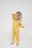 Indikidual - Banana onesie Hunter - lifestyle