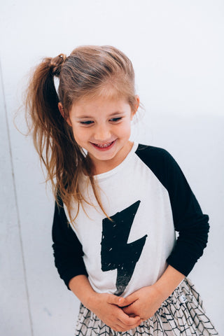 Kids raglan tee Black Flash by Noé & Zoë