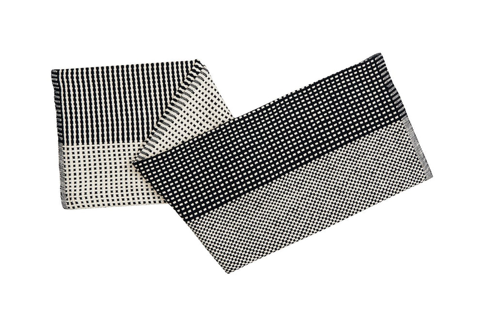 STRIPES & DOTS – THROW