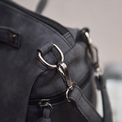 Andrea - Black - Messenger Bag