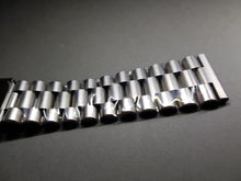 Load image into Gallery viewer, 22mm Seiko flat straight lugs gents stainless steel watch Bracelet