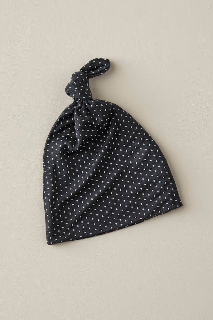 KNOTTED HAT - Charcoal Swiss Dot