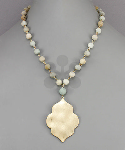 Arabesque Pendant Stone Necklace