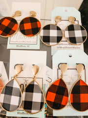 B/W Buffalo Plaid Round