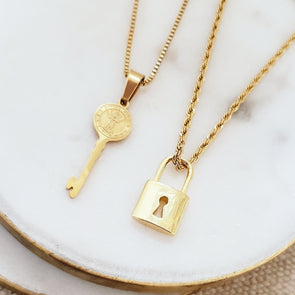 The Key To My Heart Necklace Set
