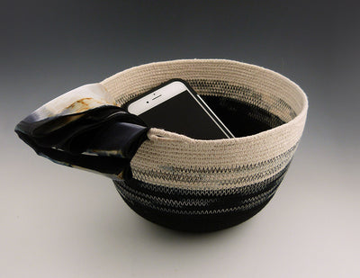 Rope Bowl with mobile phone
